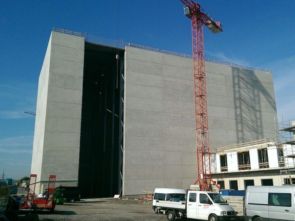 Hochregallager und Versandgebäude ● LTS GbR - Andernach 10/12