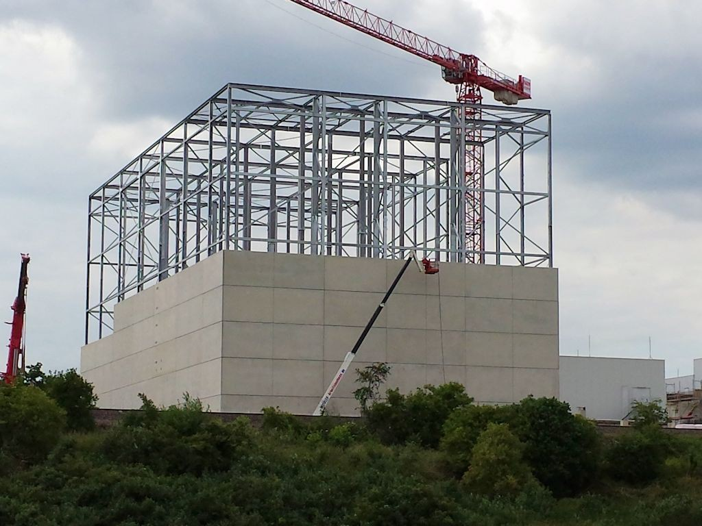 Hochregallager und Versandgebäude ● LTS GbR - Andernach 9/12