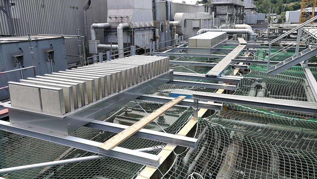 Erneuerung Dachkonstruktion, Erhöhung Treppenhaus und Unterkonstruktion Lüftungsgerät Aufbereitung KM6 ● Tecnokarton GmbH & Co. KG - Mayen 3/5