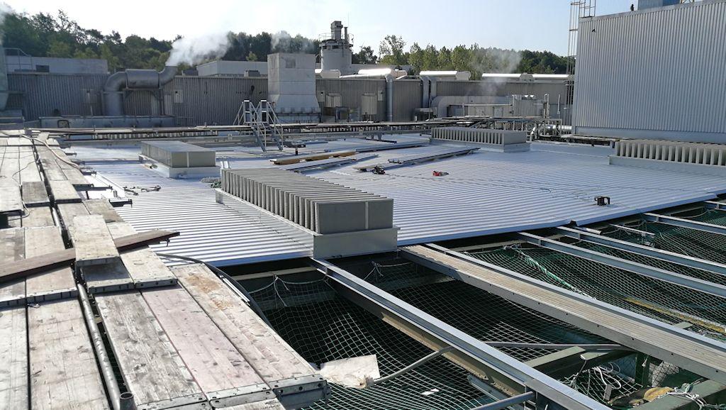 Erneuerung Dachkonstruktion, Erhöhung Treppenhaus und Unterkonstruktion Lüftungsgerät Aufbereitung KM6 ● Tecnokarton GmbH & Co. KG - Mayen 4/5
